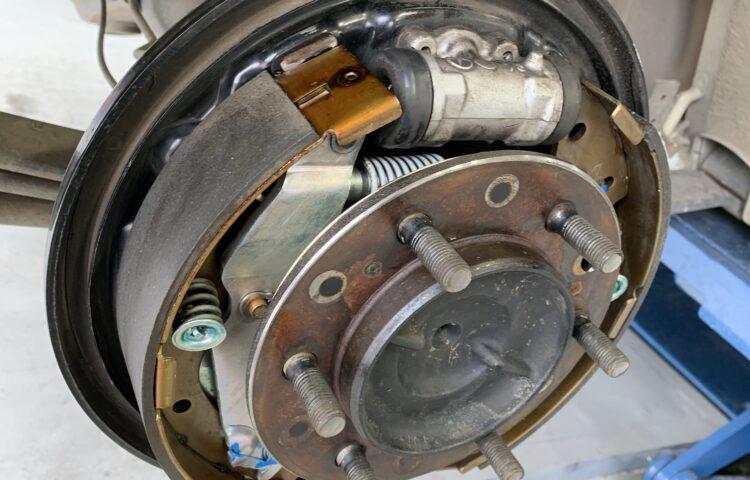 ハイエース ブレーキ修理