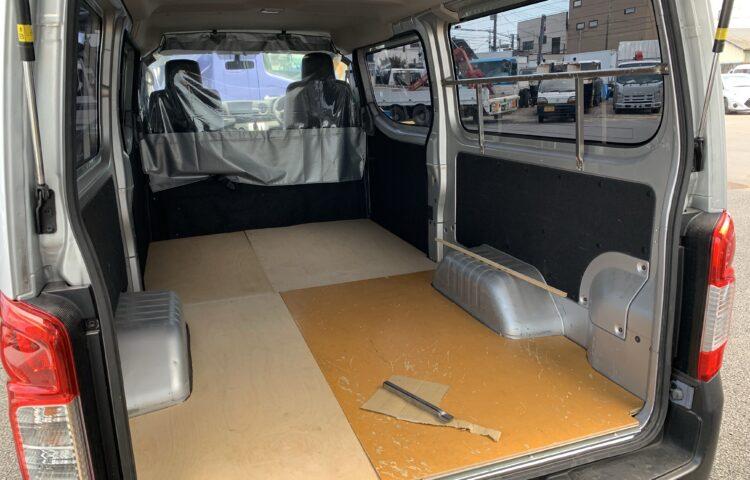 NV350 キャラバン荷室 簡易製作